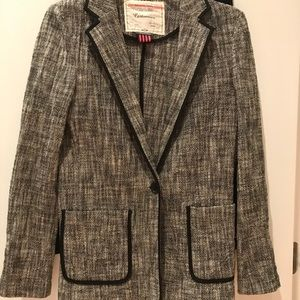 Speckled Boucle white and black blazer